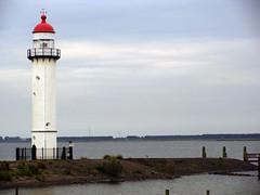 Hellevoetsluis 10 (Bjorn Roose) Tags: lighthouse netherlands harbor harbour nederland paysbas hellevoetsluis phare vuurtoren zuidholland niederlnde bjrnroose bjornroose