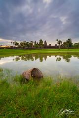 Angkor Wat (Sotitia Om Photography) Tags: sunset sunrise canon landscape asian temple ancient asia cambodia southeastasia khmer earlymorning angkorwat siemreap kampuchea kingdomofcambodia angkorwattemple canonusa canonasia kingdomofwonder sotitiaomphotography cambodianphotographers