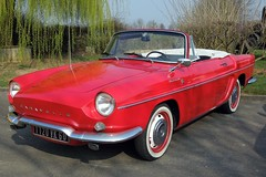 RENAULT Caravelle (xavnco2) Tags: show red france cars french rouge spider automobile antique convertible renault exposition autos common groupe classiccars picardie 1100 roadster cabriolet caravelle rossa chauny lyce aisne agricole robertschuman