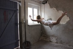 fly away (lille.ja) Tags: she door new old sky sun art window birds writing canon out photography flying fotografie dress alt yes fenster raum room kunst free levitation manipulation her around create language sonne tr monique weg decided fliegen herself kleid fluttered raus moniqueduval duvalflyaway