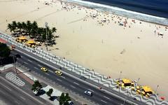 Copacabana (L. Felipe Castro) Tags: copyright brasil riodejaneiro photographer copacabana burlemarx fotografo ggb reservado triangulo luizfelipecastro luizfelipedasilvadecastro gettymay2010 gettyvacation2010