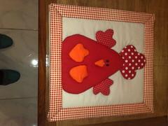 """Quadro """"Pintinho Quietinho"""" (Atelier na Casinha by Re Molinaro) Tags: feitomo quadros cartonmousse patchworkembutido"""