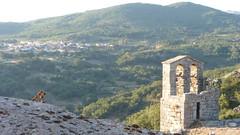 Campanario sobre el valle (I) (D. Moreno) Tags: mountains bells atardecer dusk valle belltower hills valley campanario montaas campanas colinas villamiel