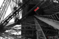 L'ascension - La Tour Eiffel (Dtail) (Vision d'Esprit) Tags: paris france metal tour eiffeltower eiffel toureiffel fer gustaveeiffel ipn poutre damedefer