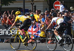 Follow the Leader (Majorshots) Tags: cycling tourdefrance yellowjersey peloton champslyses wiggo stage20 avenuedeschampslyses roadcycling bradleywiggins markcavendish teamsky maillotjeune skyprocycling tourdefrance2012 letour2012 rambouilletparis tape20