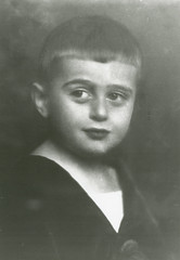 Edward Teller as a child (llnl photos) Tags: starwars teller nuclearbomb manhattanproject llnl manhattenproject hydrogenbomb edwardteller lawrencelivermore