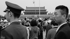 (Anwen2010) Tags: china street bw monochrome fuji beijing tiananmensquare tiananmen maozedong xe2