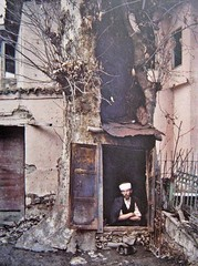 A Turkish man makes a new home out of a tree in the ruins of Aleshir Turkey, 1923 [768x 1032] #HistoryPorn #history #retro http://ift.tt/1W5edLf (Histolines) Tags: new man tree history home turkey out ruins retro timeline makes turkish 1923 1032 vinatage a historyporn histolines aleshir 768x httpifttt1w5edlf