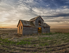 Greet the Morning-Abandoned North Dakota (j_piepkorn65) Tags: abandoned sunrise ruraldecay granary greatplains farmstead ruralexploration abandonednorthdakota