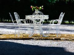 Steninge slott, May 8, 2016 (Ulf Bodin) Tags: flowers roses table se spring chair sweden outdoor vase sverige scandinavia vr vas rosor mrsta stockholmsln steningeslott blomvas canoneos5dmarkiii inventarie canonef100400mmf4556lisiiusm motivmnesord httpkulturnavorgaa33ffa059c643e59798f8e323026919 httpkulturnavorg8f93b8a554da4de8befb728ed78ebdd3 httpkulturnavorg9d8e9d677ec64e83bef3e97ba2ee3ad8