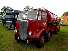Gorgeously restored AEC Matador tanker. Spotted at Truckfest South 2016 (Headboltz) Tags: aec matador tanker classic truckfest truck lorry