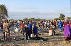 market day (tor-falke) Tags: africa african afrika march maasai afrique karatu tansania africanpeople africanculture jourdemarch maasaitribes