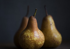 (donna leitch) Tags: stilllife macro fruit donna pears 100mm leitch donnaleitch