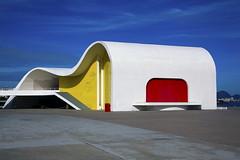 Modern architecture designed by Oscar Niemeyer. (Carlos Vieira.) Tags: riodejaneiro colours details modernarchitecture niteri oscarniemeyer teatropopulardeniteri fundaooscarniemeyer memorialrobertosilveira