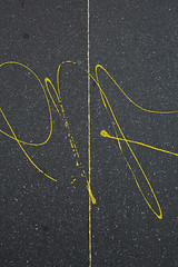 (enora*) Tags: yellow jaune paint tag peinture sidewalk trottoir goudron