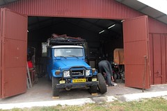 The private garage of friends near Malaga where we changed the rear axle shaft [Malaga /Spain] (babakotoeu) Tags: car jeep offroad 4x4 toyota land series 40 landcruiser cruiser troopy bj40 40series bj45