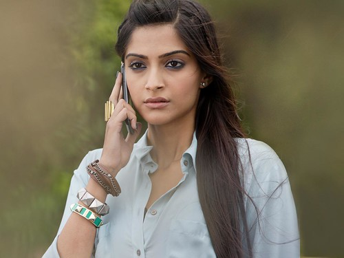 sonam kapoor in players