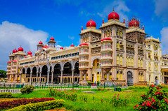 Mysore Royal Palace - Mysore India (mbell1975) Tags: india fort or royal palace residence schloss fortress mysore palast hdr amba residenz vilas