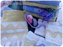 Conjunto - Banho e rosto (Ro-Aguiar) Tags: bordado vagonite patchworktoalhaderosto