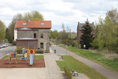 Braives Km 17 @ L127 (Peter Van Gestel) Tags: gare ravel nmbs statie sncb stationsgebouw braives fietsnetwerk lijn127 ligne127 stattelanden