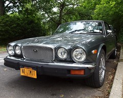 1976 Jaguar XJ Coupe, Fieldston, Bronx, New York City (jag9889) Tags: nyc greatbritain england ny newyork green classic car sedan automobile bronx plate racing transportation license vehicle jaguar coupe 1976 2012 xj nolimit motorcar seriesii xjc jag9889 y2012