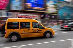 Taxi por Times Square (Fran M. Cubero - www.fotografiacubero.com) Tags: city usa ny newyork canon mark iii 5d eeuu 24105l