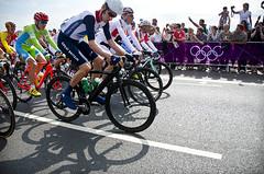 Bradley Wiggins (Something For Kate) Tags: road uk bridge summer london race cycling nikon bicycles final bradley cycle mens olympics 2012 cycles putney london2012 wiggins f35 putneybridge 18200mm bradleywiggins d5100