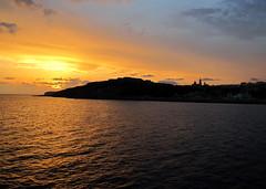 Bonswa Gozo! (debreczeniemoke) Tags: sunset sea island evening town malta este sziget tenger mediterraneansea gozo város goodevening napnyugta portofentry għawdex málta földközitenger għajnsielem mġarr canonpowershotsx20is jóestét bonswa