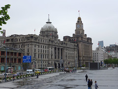 HSBC Building and Custom House (Daniel Brennwald) Tags: china shanghai bank hsbc thebund customhouse
