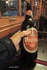 Mi primera cerveza - Montevideo (Polycarpio) Tags: viaje beer bar uruguay cerveza restaurante mano bier cerveja montevideo poly patricia birra bir botella gallardo piwo pivo sudamerica olut bira cervesa bjr cwrw bere lu sr piba  cervexa    birr beoir  bru  bra labire pji maegju
