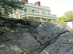 Outcropping (DannyAbe) Tags: newyorkcity rock manhattan geology schist hamiltongrange stnicholaspark