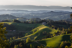 Evening Light at the Emmental (Role Bigler) Tags: schweiz switzerland suisse eveninglight greenhills emmental abendlicht grünehügel canoneos5dsr ef4070200isusml