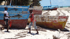 Carrying the Catch in Both Directions, Vilanculos, Mozambique (dannymfoster) Tags: africa fish beach local mozambique dhow mocambique vilankulo vilanculos