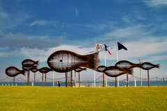 Fish Sculptures near Cannes (Artur Staszewski) Tags: blue sea summer vacation sky fish france art canon french coast nice europe riviera european cannes near sigma sunny tourists shore sculptures 550d 1770mm t2i