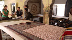Tourist shop (Ivan Lian) Tags: india jaipur rajasthan blockprinting touristshop