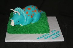"Dinasour cake • <a style=""font-size:0.8em;"" href=""http://www.flickr.com/photos/60584691@N02/7021486609/"" target=""_blank"">View on Flickr</a>"