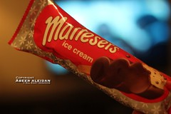 Maltesers (Aeer) Tags: sweet icecream