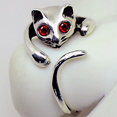Sterling Silver Cat Ring - Garnet Red (LennonLipeng) Tags: ring catring sterlingsilverring silvercatring 925silverring