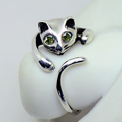 Sterling Silver Cat Ring - Apple Green (LennonLipeng) Tags: catring greenring sterlingsilverring uniquering silvercatring 925silverring