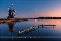 De Helper - Haren - Netherlands (~ Floydian ~ ) Tags: longexposure blue sunset moon lake holland reflection mill netherlands windmill canon reflections landscape lights reflecting town meer view wide hour after bluehour groningen viewpoint meijer molen henk paterswolde paterswoldsemeer helper windmolen haren poldermill poldermolen floydian proframe proframephotography canoneos1dsmarkiii henkmeijer dehelper