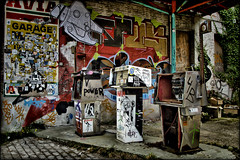Urban Dark - Urbex et Street art  ... Doel en Belgique . (Dubus Laurent) Tags: street portrait urban house building art home landscape graffiti paint village belgium belgique explorer tags dessin peinture abandon urbanexploration maison antwerpen ville nord anvers urbain urbex peintre urbaine doel flamand flandre explorationurbaine dendoel