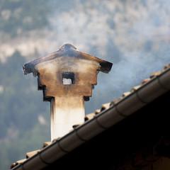 Scanno (@chiaraoscura) Tags: tetto comignolo tetti case autunno freddo scorcio paese