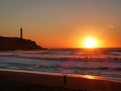 Rouge ardent (Pauline.Cavey) Tags: sunset soleil phare paysbasque vvf anglet