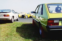 Classicauto Cup Ułęż 2016 (Analog World Thru My Lenses) Tags: classic cars cup porsche bmw april opel nikonfa fujisuperia200 2016 classicauto polonez sigma2470f28 ułęż