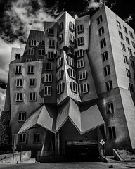 compression (john dusseault) Tags: boston architecture mit gehry stratacenter