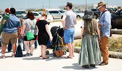 Waiting in Line (wyojones) Tags: texas deerpark houston sanjacintobattlefieldstatehistoricalpark sanjacintoday sanjacintobattlereenactment parking lines people wait frustration shelllot wyojones