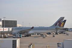 LHR: Terminal 4 (A380spotter) Tags: flight16102009qr0100dohdxb12b0040 turnaround airbus a330 300x a7aei alqatariya qatar القطرية qatarairways qtr qr qr0002 lhrdoh gate8 eight stand408 boeing 777 300er vtjeq jetairways jai 9w 9w0121 lhrdel gate7 seven stand407 terminal4 four london heathrow egll lhr