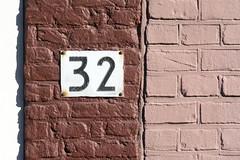 Number 32 (Jan van der Wolf) Tags: pink brown house rose wall bricks number huis 32 bruin muur nummer bakstenen map140205v