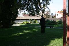 IMG_0333 (christbt) Tags: parque man green pee garden outdoors poland wee piss hombre publicgardens kazimierz mear takeapiss peeingman
