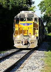 D91A9646 (Laurence's Pictures) Tags: railroad chicago up train pacific muscle union rail railway line locomotive northwestern freight janesville emd cnw
